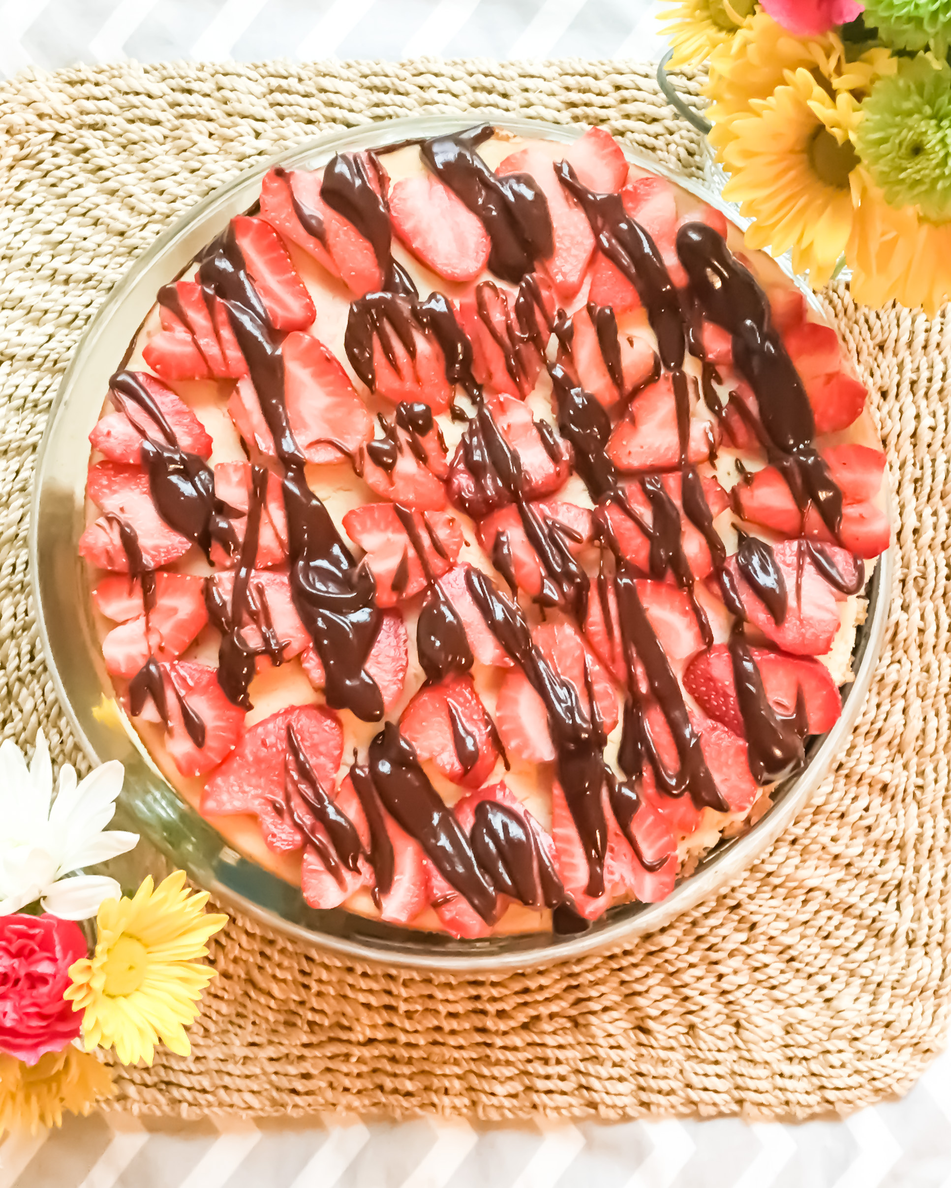 strawberry-chocolate-cheesecake